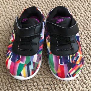 Nike multi colored Tanjun girls size 6c